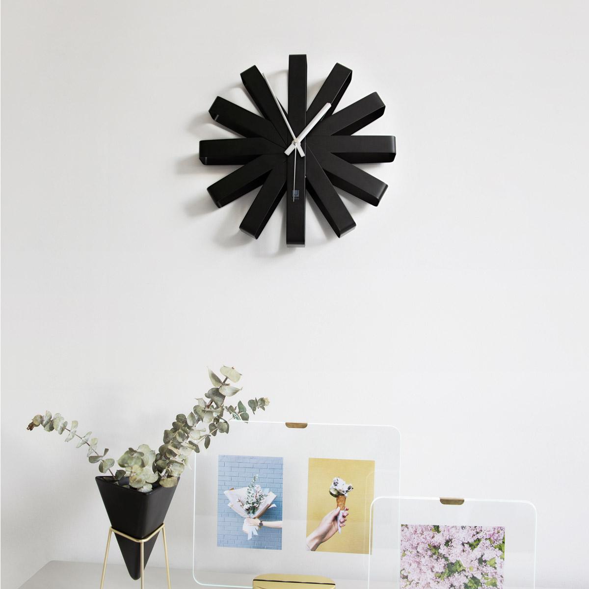 Zidni sat Ribbon crni 118070-040